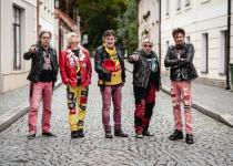 Turné Visacího Zámku se skupinou Znouzectnost tluče na dveře! Obsáhne i tři výroční koncerty
