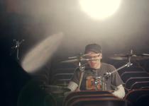 Nové video od bubeníka Jana Frohlicha