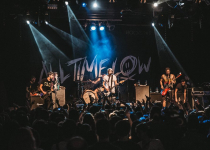 All Time Low se po dvouleté přestávce vrátili do Prahy a zaplnili Roxy!