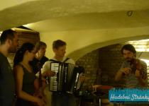 Bezobratři @ Vinotéka Tondy Bukovského, Brno, 9.6.2014